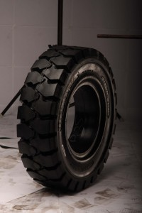 solid-pneumatic-tire-profile-ht1-full